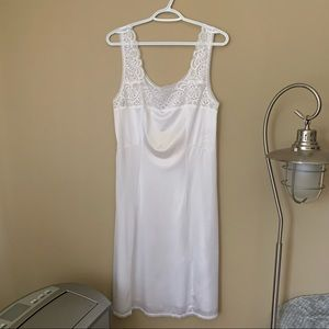"""Vintage """"Jessica Gay Lure"""" Slip with Lace Detail"""
